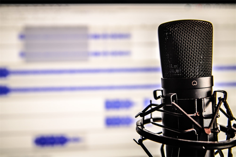 35 Dental Podcasts Everyone's Talking About